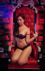 Nikita belluci fait passer le casting porno de joyce exess - 2 part 8