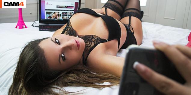 Kat_Aluna, la chaleur du sud en webcam hot