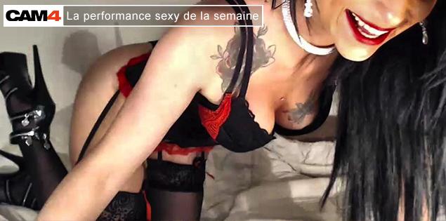 La performance sexy de la semaine (8): joliecoeurxc, une webcameuse athlétique a cheval renversé en webcam girls