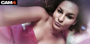 La webcam girl Kat Aluna fête son anniversaire en direct sur CAM4 , le 14 Mars à 21h30