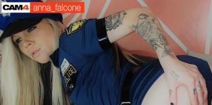 Anna Falcone, la bad girl en webcam hot!