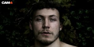 Performance de la semaine: Nevykas attire tous les regards en show gay gratuit