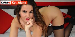 Kat_Aluna se fait baiser en sex live cam sur CAM4!